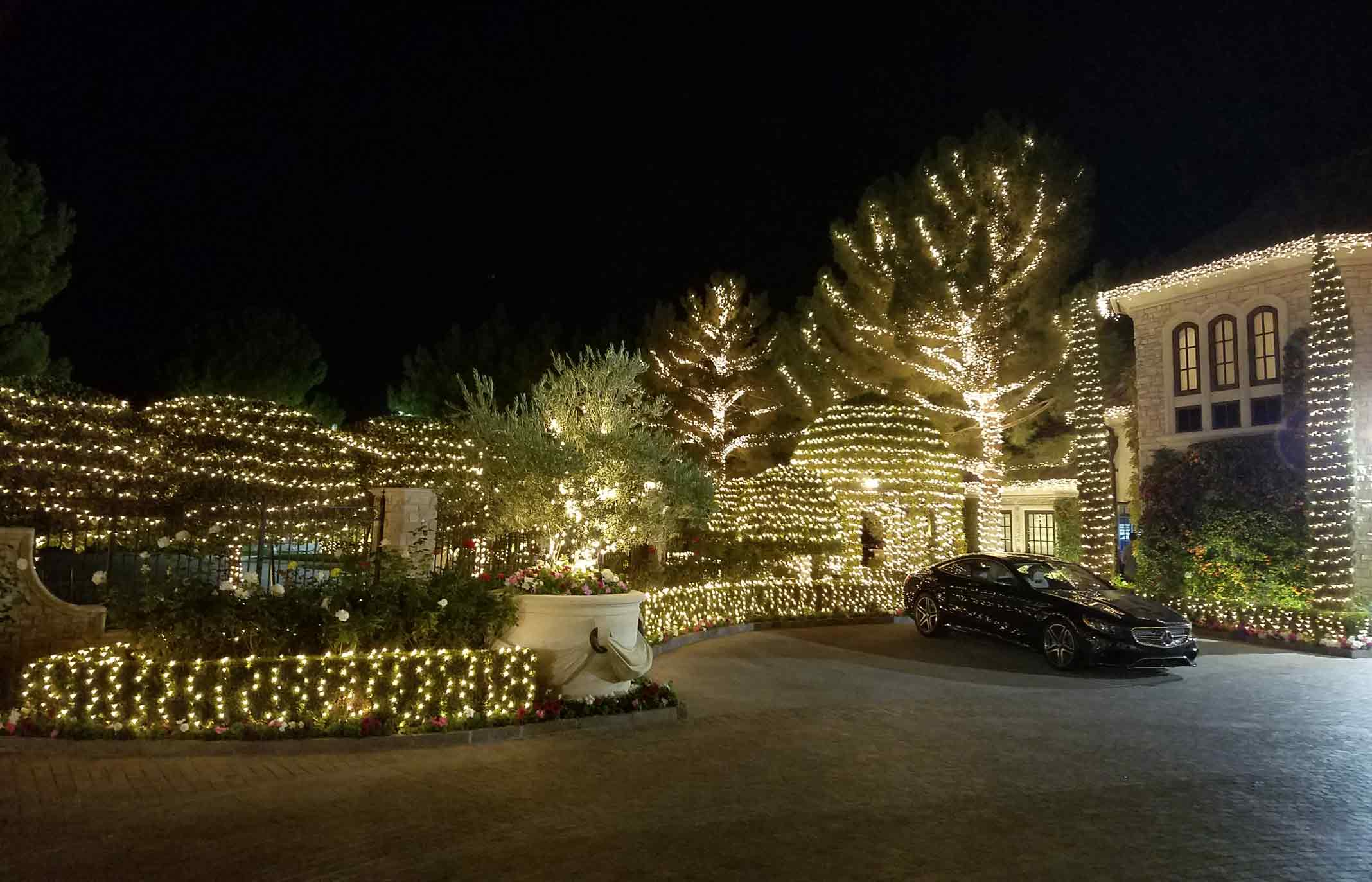 holiday lighting service by Holiday Decorations in Las Vegas